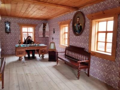 В Архитектурно – этнографическом музее «Тальцы» готовятся к встрече с посетителями.